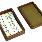 Домино D6  с цветными точками в деревянной шкатулке с замшей